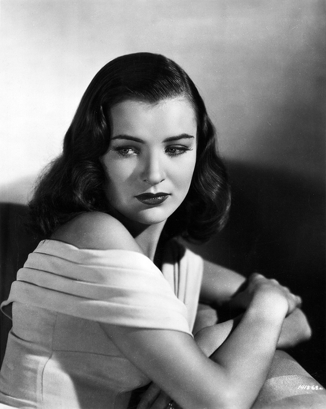Ella Raines publicity shot for The Suspect
