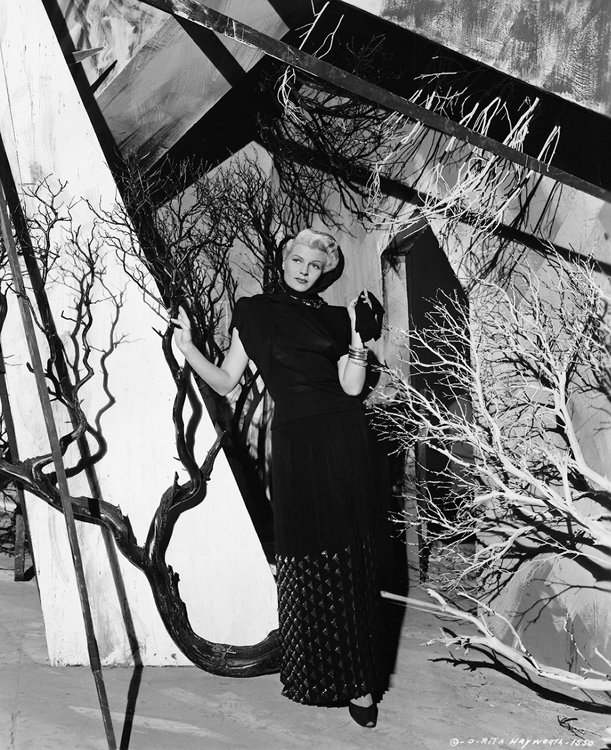 Rita Hayworth fashion shot, The Lady from Shanghai