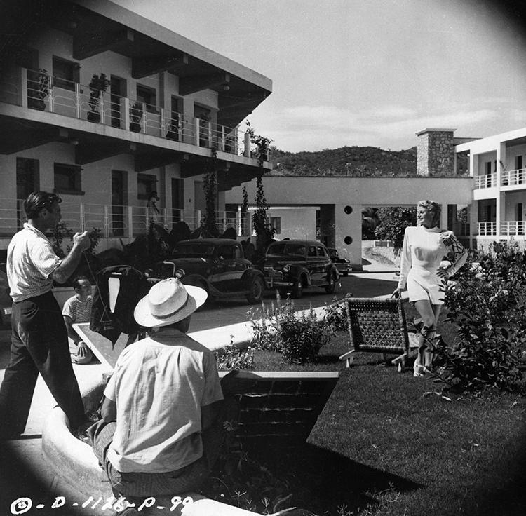 Rita Hayworth poses for Eddie Cronenweth