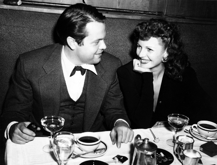 Orson Welles and Rita Hayworth dining out in NYC in November 1943