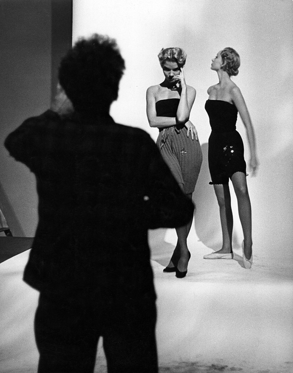 Gjon Mili in the studio with two models