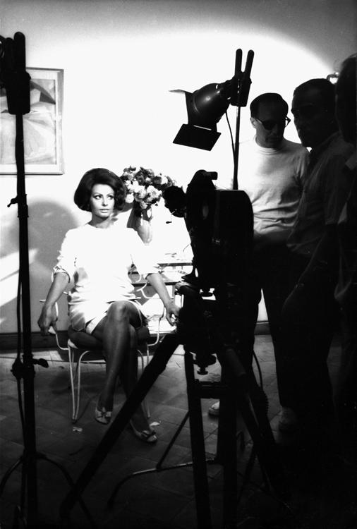 Sophia Loren being photographed
