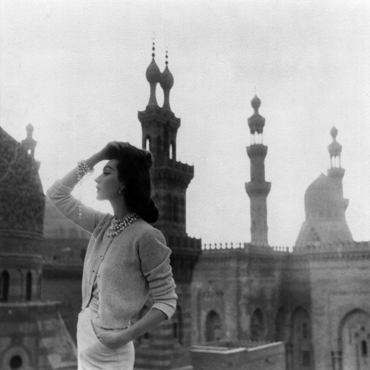 Dovima photographed in Egypt by Richard Avedon