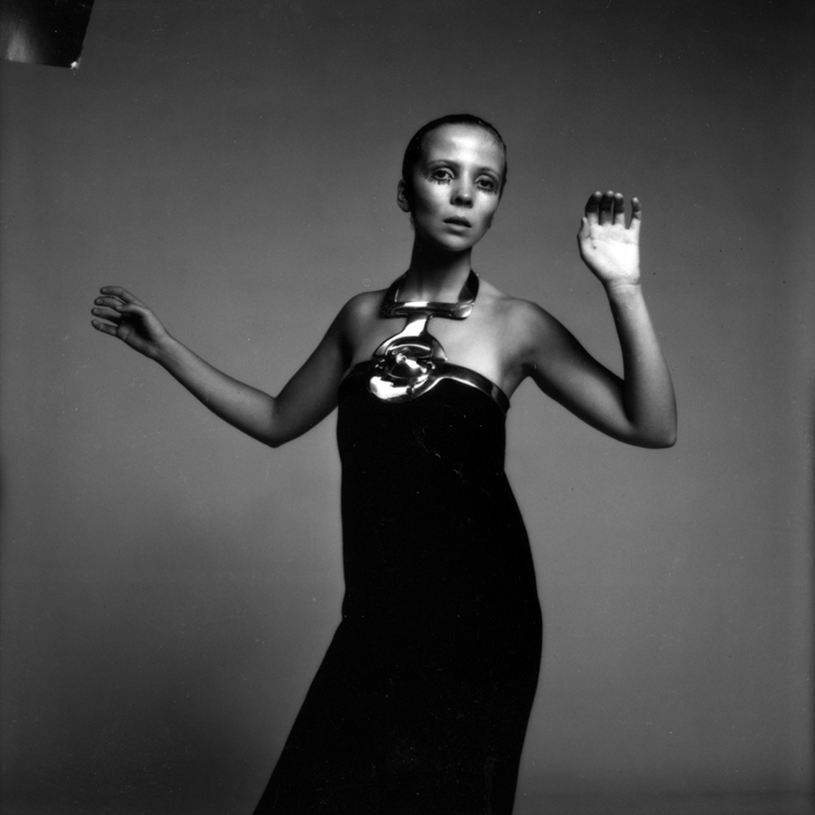 Penelope Tree modelling a Cardin collar by Richard Avedon