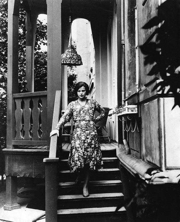 Hedy Lamarr at home in Vienna