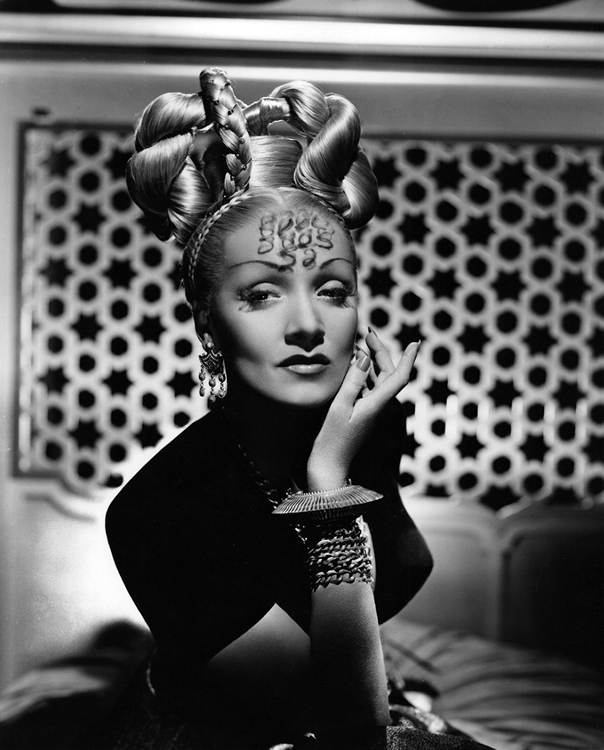 Marlene Dietrich as Jamilla in Kismet
