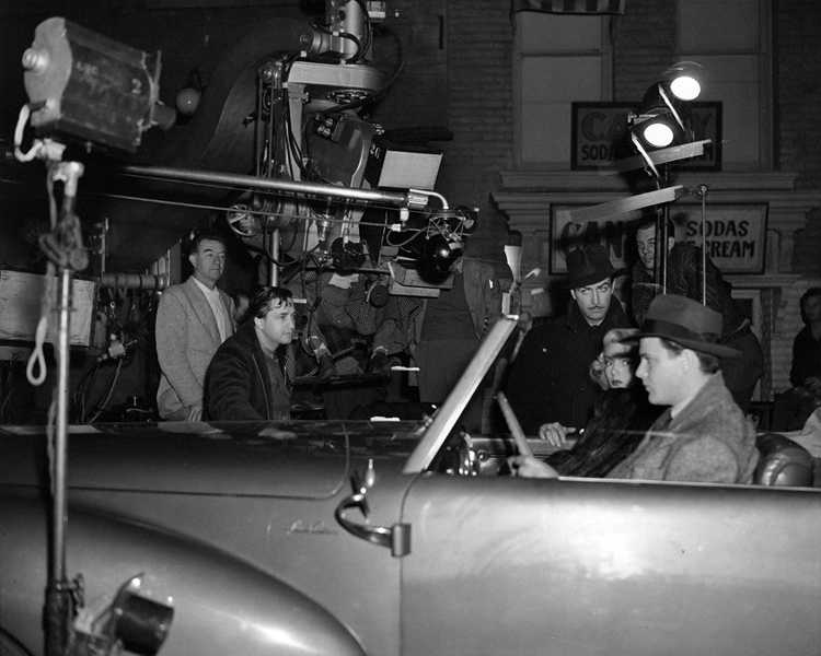Mervyn Leroy and Harold Rosson filming a scene for Johnny Eager