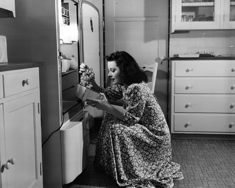 Hedy Lamarr at home