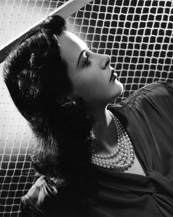 Hedy Lamarr in profile
