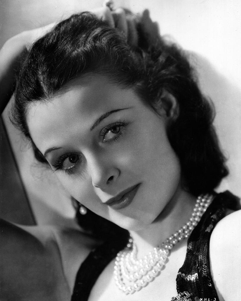 Hedy Lamarr wears pearls