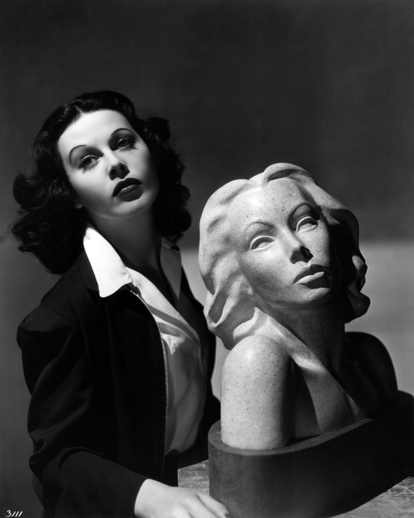 Hedy Lamarr with a bust by Nina Saemundsson