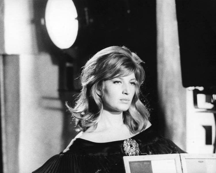 Monica Vitti on the set of Château en Suède