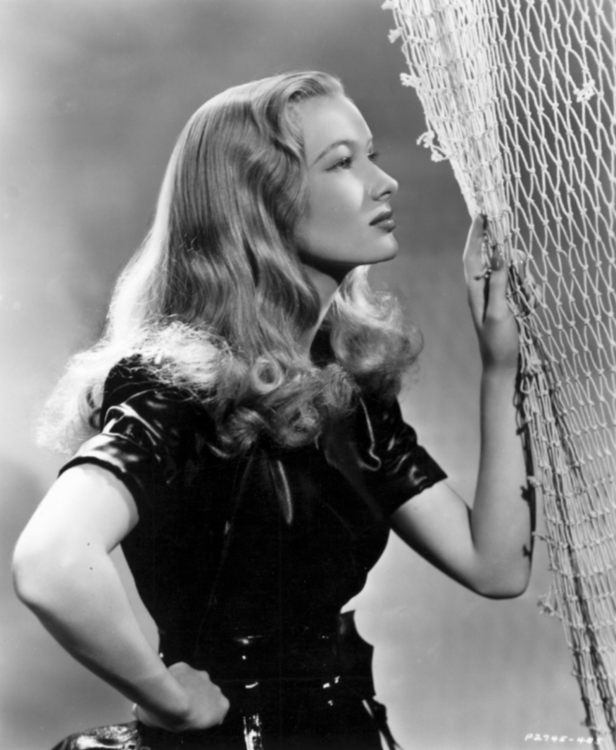 Veronica Lake, blonde fisherwoman