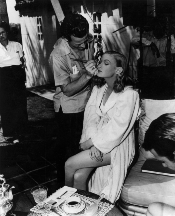 Veronica Lake being made up