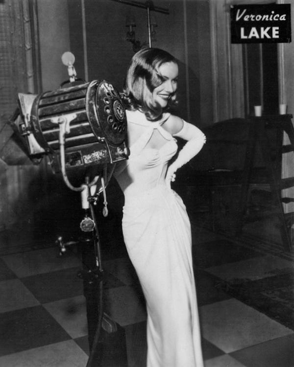Veronica Lake on set
