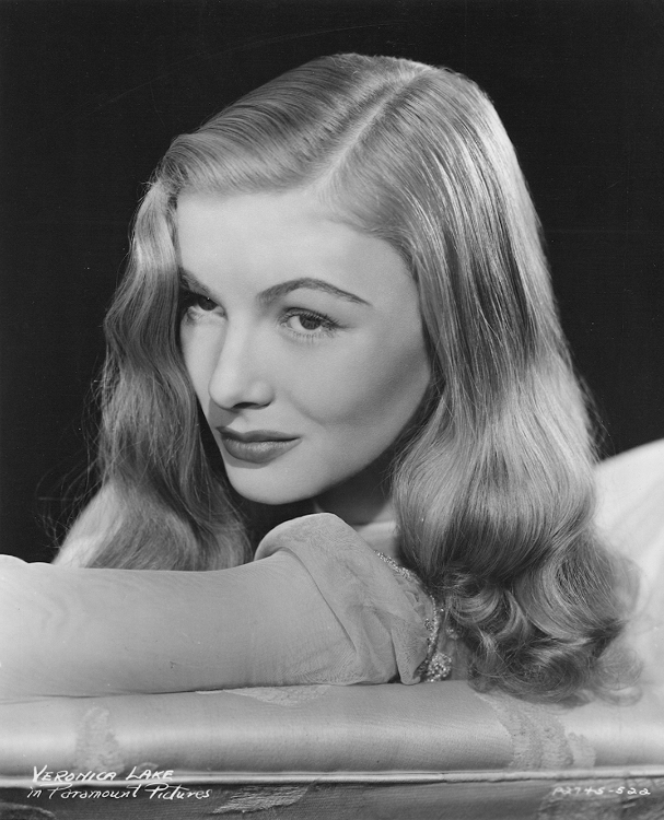 Veronica Lake, publicity shot for This Gun for Hire